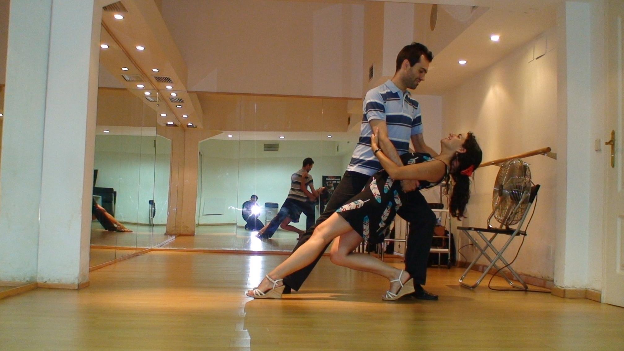 Clases de Baile en Madrid-Clases de Baile para Novios-Preparación del Baile de Boda en Madrid- Clases de Bailes Latinos en Madrid-Clases de Bailes de Salón en Madrid- Clases de Salsa en Madrid-Juan Brenes-juanbrenesdancer
