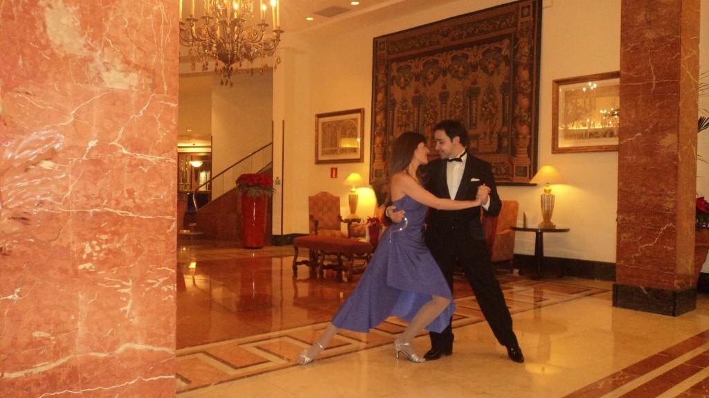 Profesor de Baile Madrid Clases Online Clases de baile online Juan Brenes y Laura Holt